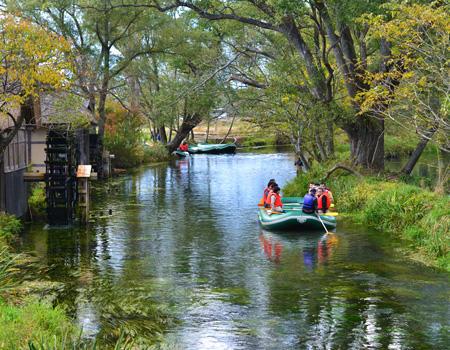 蓼川(たでがわ)と水車 写真
